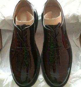 Военные туфли лакированные 42 размер