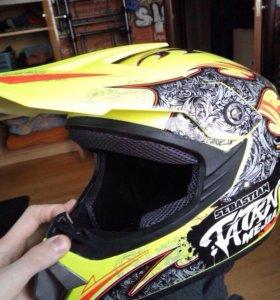 Шлем для кроссовых мотоциклов