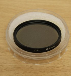 Поляризационный фильтр CPL 62mm новый