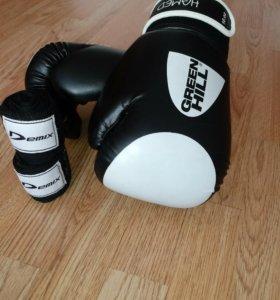 Боксерские перчатки(10.oz) +бинты(эластан)
