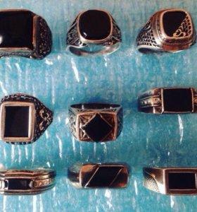 Мужские кольца ,печатки новые