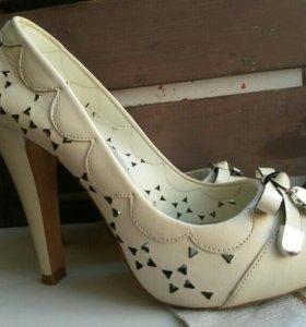 Кожаные туфли на выпускной36р.