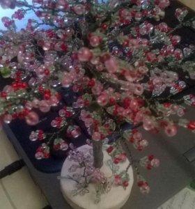 Сакура в цвету. Деревья из бисера в ассортименте.
