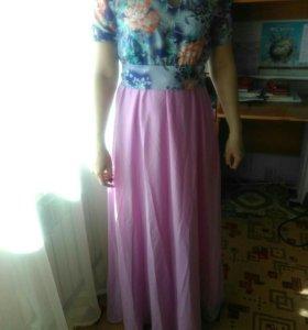 Платье абсолютно новое размер 46