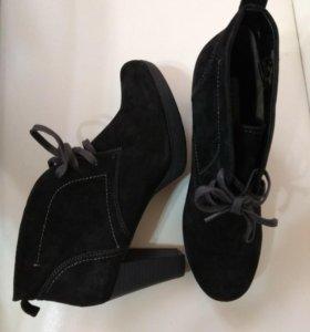 Ботинки женские р.40