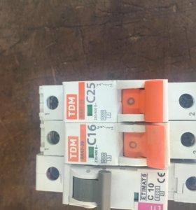 Продаётся однополюсний автоматическй выключатель