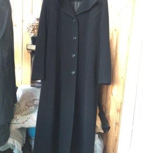 Пальто димесезонное 48 размер.Шерсть.