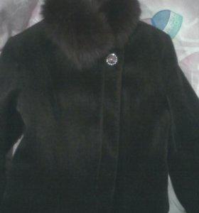 Курточка с меховым воротом
