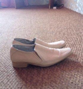 Продаю  новые кожаные туфли мужские 39 -40 размер