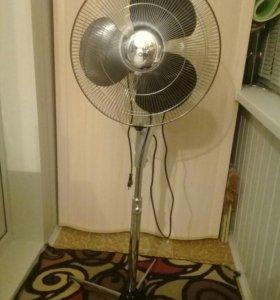 Вентилятор с пультом управления.