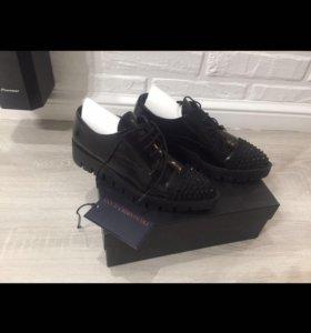Лаковые ботинки на толстой подошве Trussardi jans