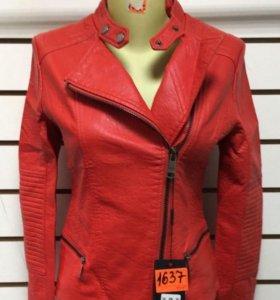 Кожанка новая красная розовая черная косуха куртка