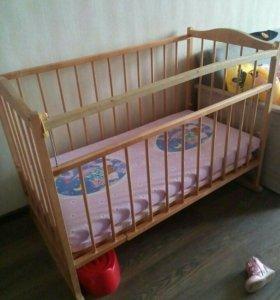 Продам срочно кроватку детскую !