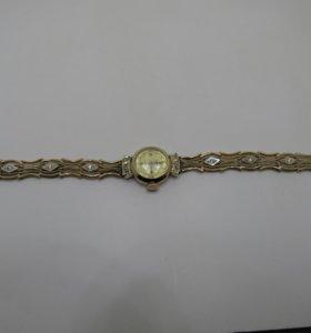 Золотые часы с бриллиантами 750 проба