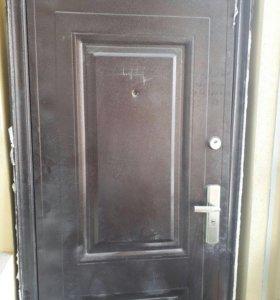 Дверь б/у 2,5 х 0,95