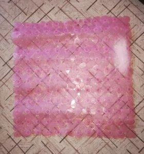 Противоскользящий коврик в ванную