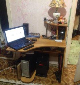 Компьютерный стол.в хорошем состоянии.торг