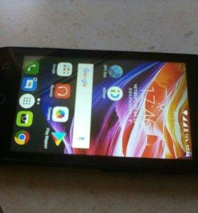 Смартфон Alcatel Pixi4 4034D