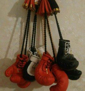 Боксёрские перчатки сувенирные(ручная работа )