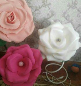 Светильник в виде розы, пиона или орхидеи