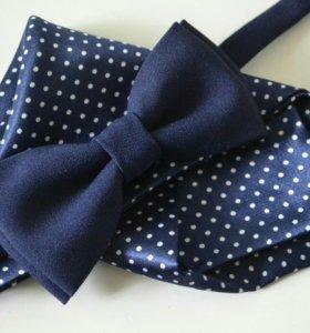 Набор галстук-бабочка и паше темно-синий в горошек