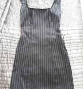 Платье с открытой спинкой! Очень красивое!