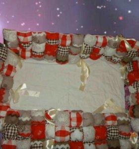 Бортики бомбон для детской кроватки