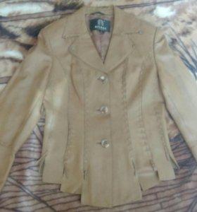 Кожаная куртка-пиджак 44-46 размер
