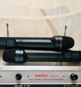 Микрофоны радио и радиостанция