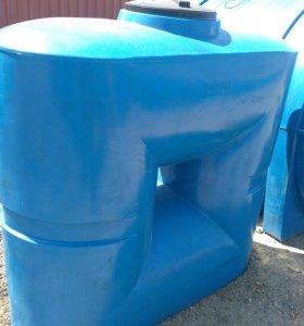 Емкость узкая (ширина 68см) 1000 литров