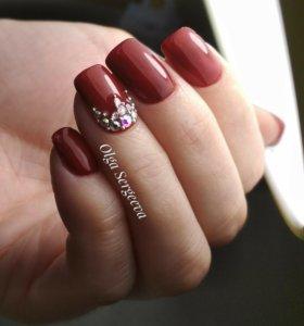 Покрытие ногтей гель-лаком, маникюр