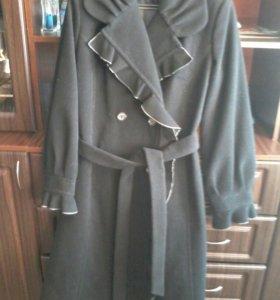 Пальто новое р 46-48