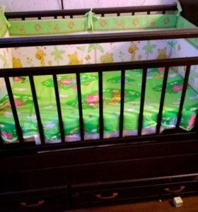 Бортики в детскую кроватку - в отличном состоянии
