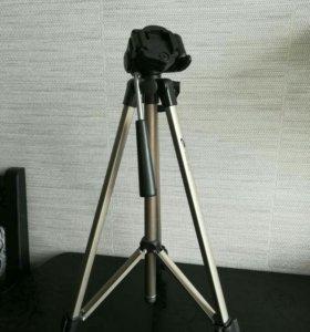 Штатив для видео камеры