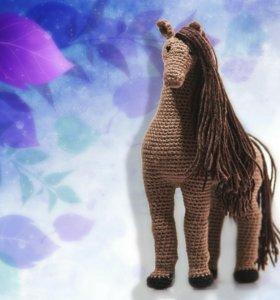 Вязаная (амигуруми) игрушка ручной работы Лошадка.