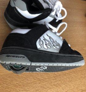 Новые кроссовки на роликах Heelys