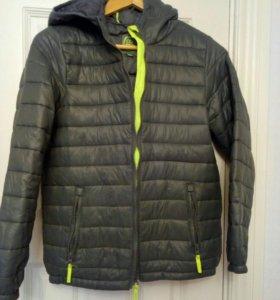 Куртка на мальчика р. 152 на весну- осень.