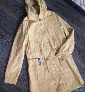 Ветровка Куртка-парка новая 42 размер
