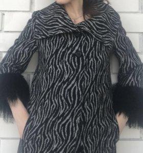 Новое пальто с мехом ламы
