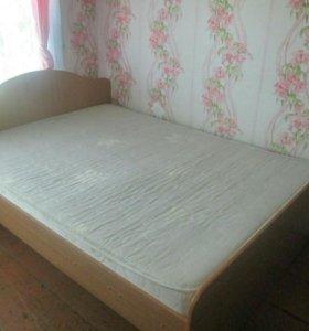 Двухспальная кровать с ортапедическим матрацем