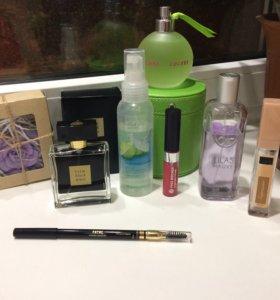 Набор косметики и парфюма