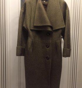Продаётся демисезонные женское пальто