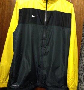 Продам новую фирменную куртку оригинал раз 54,56