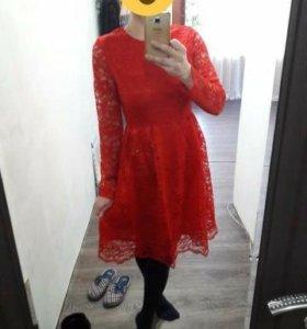 Платье новое, гипюр.
