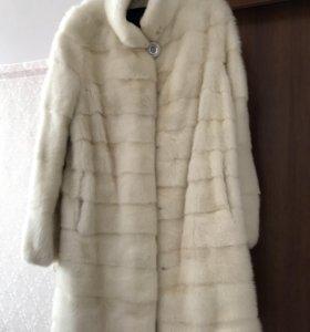 Шуба, норковое пальто.