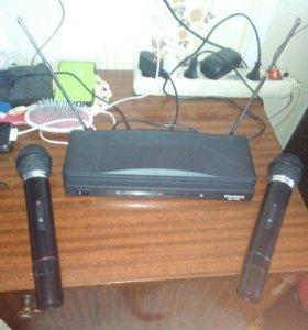 Радио микрофоны с приемником . Комплект для карео