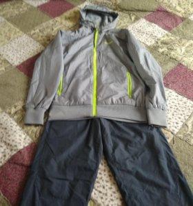Продам спортивный костюм Reebok на флисе