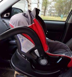 Автокресло -переноска Chicco Auto-Fix Fast Baby