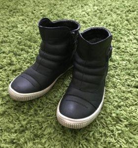 Осенне весенние ботинки 36 размер