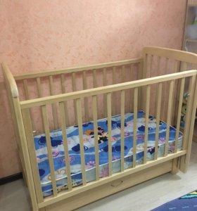 Кроватка детская с маятником и матрас
